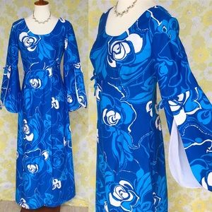 True Vintage🌺70s Hawaiian Bell Sleeve Maxi Dress